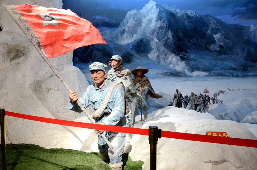 六盘山长征纪念馆内所展出的红军过雪山的展品。阎梦婕 摄